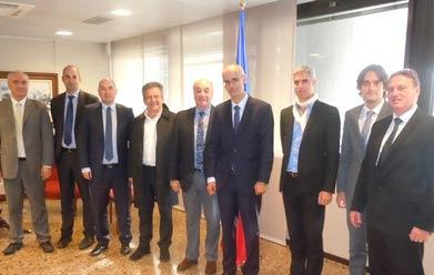 De gauche à droite : M. Vilela (Spie Batignolles Energie)  M. Vidal et M. Lahourcade (Egis Avia), M. Cardete (C & H), M. Salinas (ADEC-NS),  M. Marti (chef de gouvernement d'Andorre), M. Habrias (C&H), M. Missé (secrétaire d'Etat à la diversification économique) et M. Amiot (Spie Batignolles Energie)