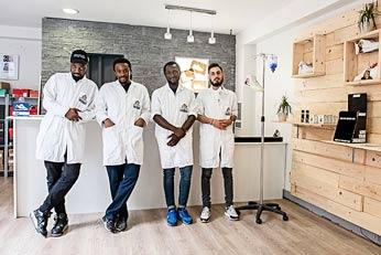 La clinique du Docteur Sneakers a ouvert ses portes en juin dernier, à Toulouse. © Franck Alix / JT