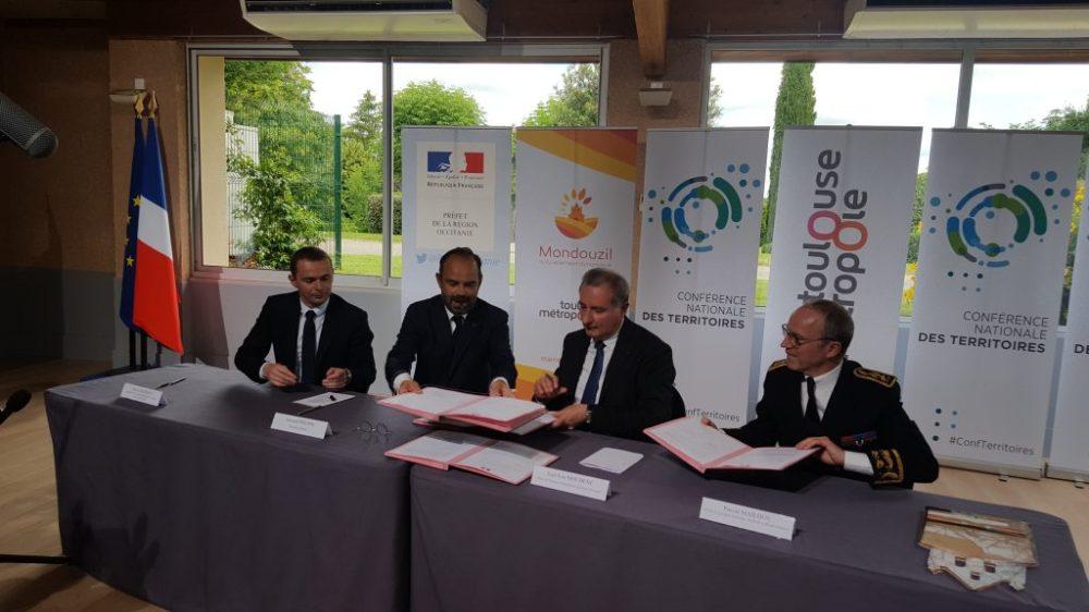 Signature pacte financier