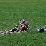 Ballon de foot dans un filet