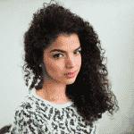 [Dossier] Défiler, à la vue de tous : portrait d'Imène Boudj