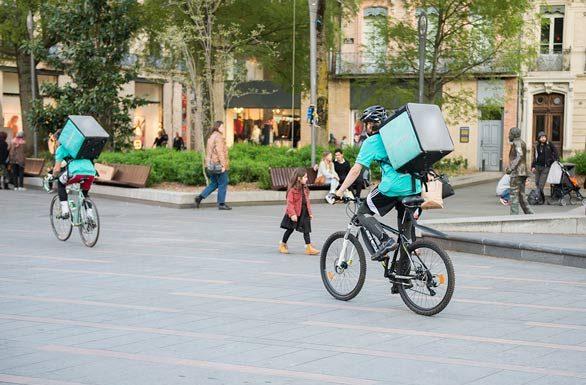livreurs à vélo deliveroo