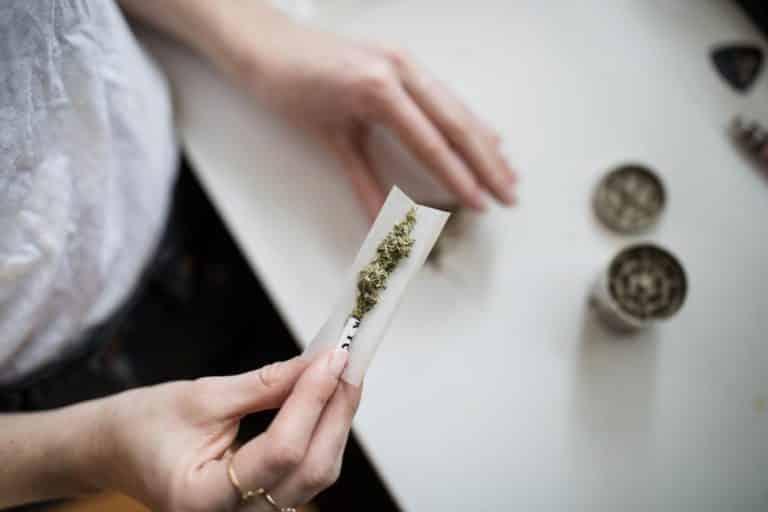 La consommation de cannabis doit-elle être sanctionnée d'une amende forfaitaire ?