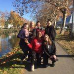 Des étudiantes au secours des platanes du Canal du Midi