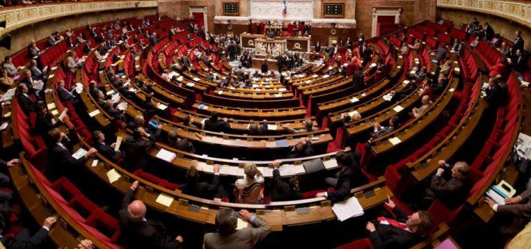 La France doit-elle réduire le nombre de députés et de sénateurs?