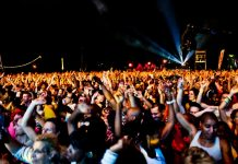 Foule pendant un festival