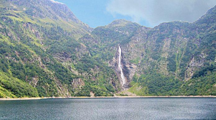 Le lac d'Oo