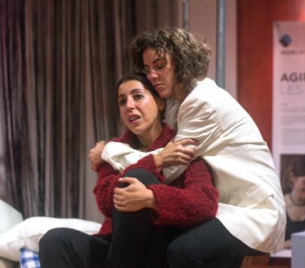 (in)dependance piece de theatre de la compagnie les Anachroniques