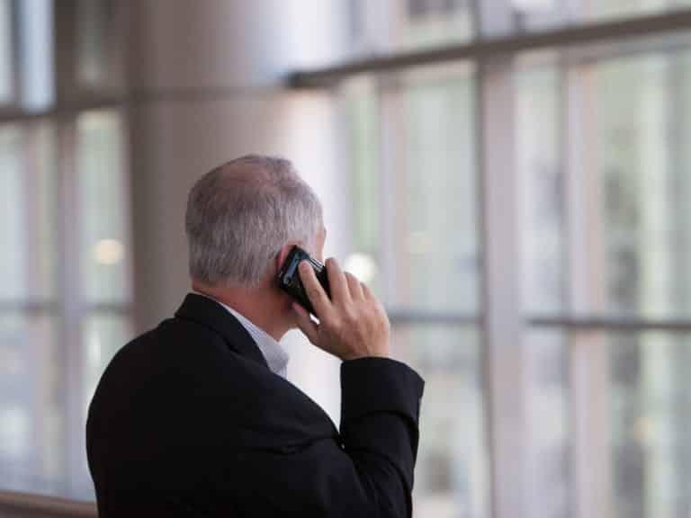 Avec nos proches, un service d'écoute téléphonique dédié aux aidants familiaux