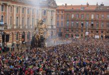 Le réveil d'Astérion, le Minautore, place du Capitole (Toulouse)