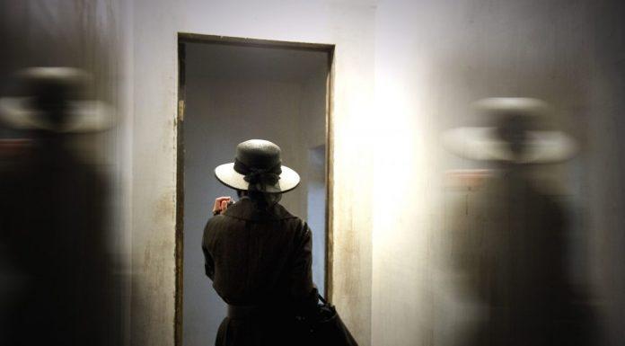 Femme logement