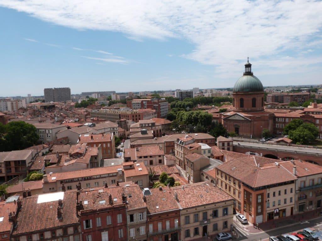 vue d'en haut la grave et toits Toulouse