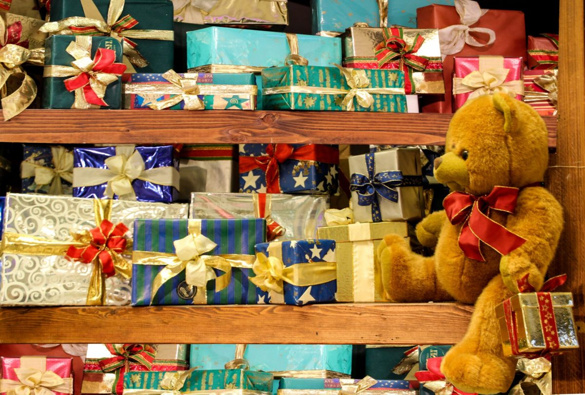 christmas-toy-wrapping-paper-teddy-bear-product-gifts-921728-pxhere.com