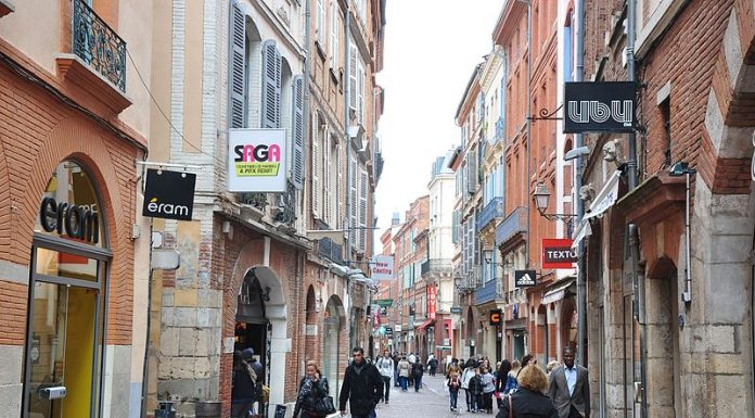 Rue Saint-Rome Toulouse France magasin