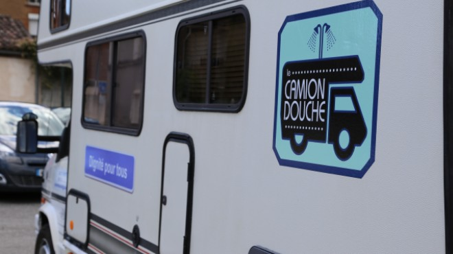 Un Camion douche pour aider les sans-abris