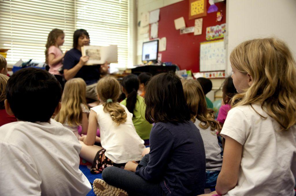 De nombreux parents d'élèves se mobilisent à Toulouse contre le manque d'enseignants, d'AESH ou d'animateur périscolaires