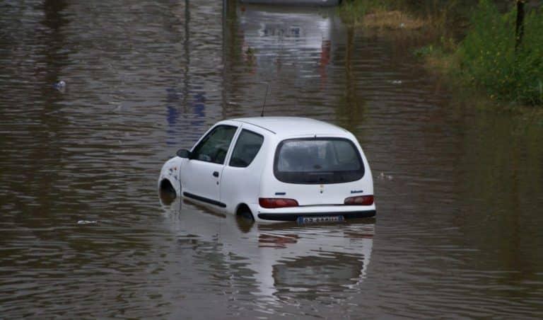 Risques d'inondations et routes fermées dans le Gard