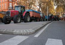 Manifestation_agriculteurs_Toulouse_(07_novembre_2014)_-_Tracteurs_à_Jean_Jaurès