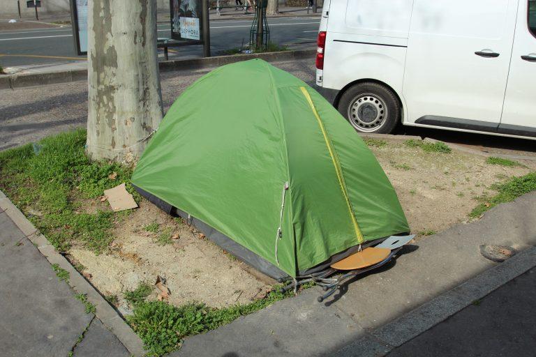 Une journée d'action pour le droit au logement, l'arrêt des expulsions et contre le logement cher à Toulouse