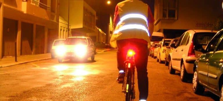 Cyclistes, brillez ! Une campagne à Toulouse pour se faire voir à velo