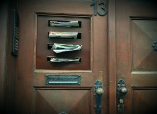boîtes aux lettres tracts