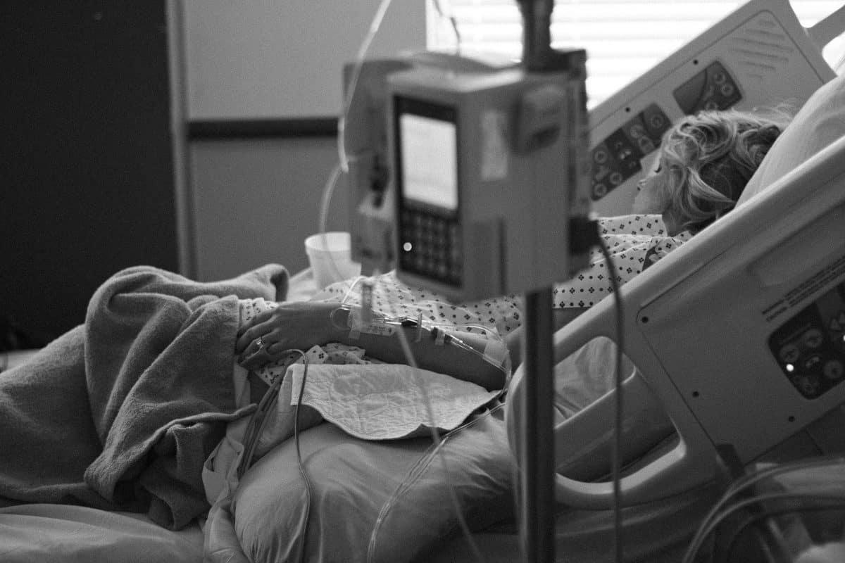 hospitalisation lit covid réanimation