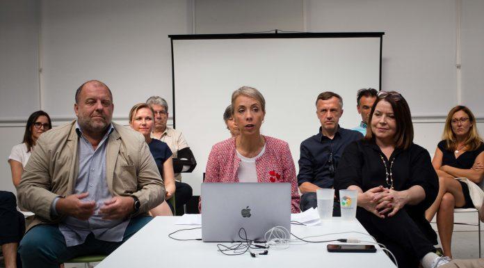 Nadia Pellefigue entourée de ses colistiers © Nicolas Belaubre - Le Journal Toulousain