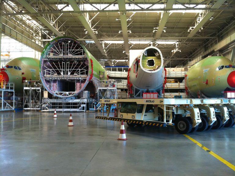 En visite en Toulouse, la Ministre de l'Industrie veut éviter les départs contraints à Airbus