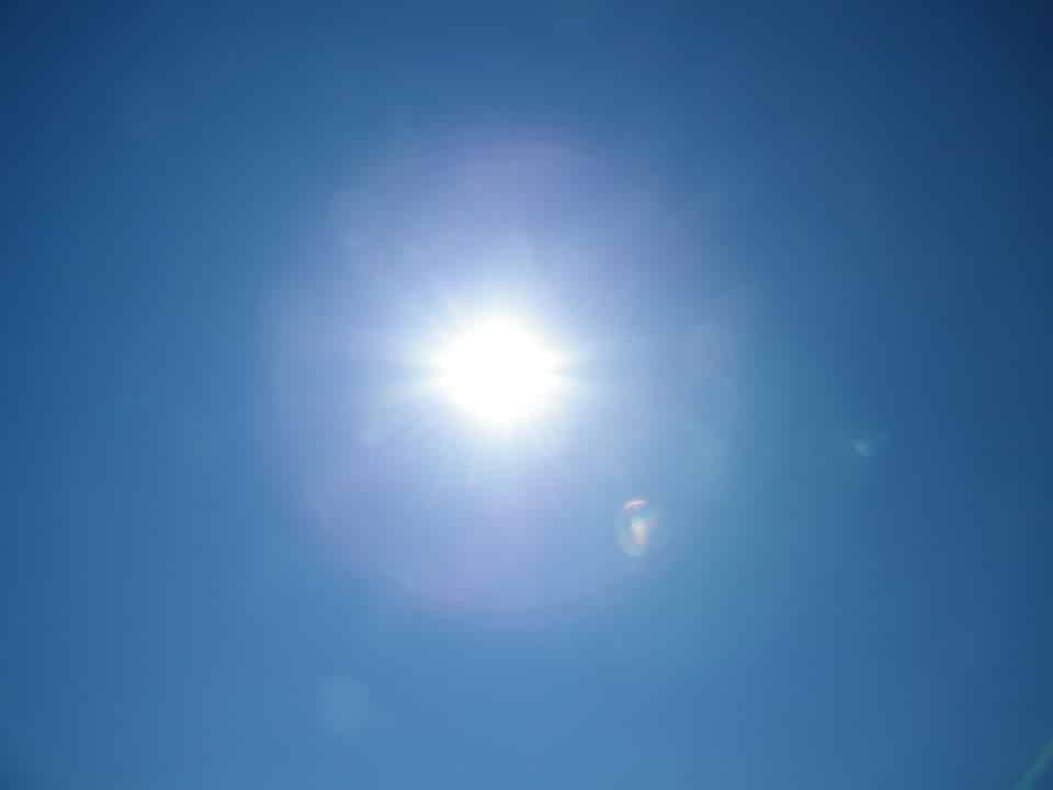 ciel bleu soleil