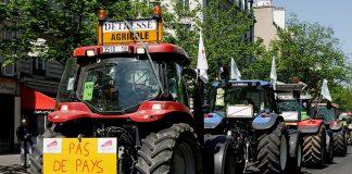tracteur paysans manifestation