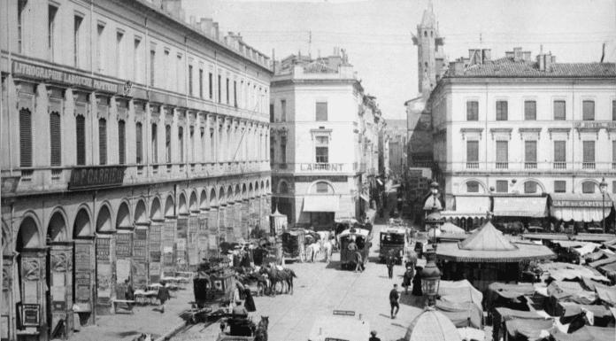 Les arcades du Capitole au début du siècle dernier ©Éditions Labouche