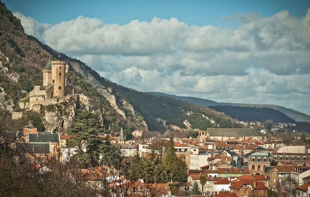 La liste des restaurants et des commerces qui proposent de la vente à emporter, en retrait ou en livraison à Foix, en Ariège CC BY-SA 3.0 BastienM