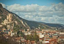 La liste des établissements municipaux de l'agglomération de Foix, en Ariège, qui seront fermés ou qui resteront ouverts durant la période de reconfinement CC BY-SA 3.0 BastienM