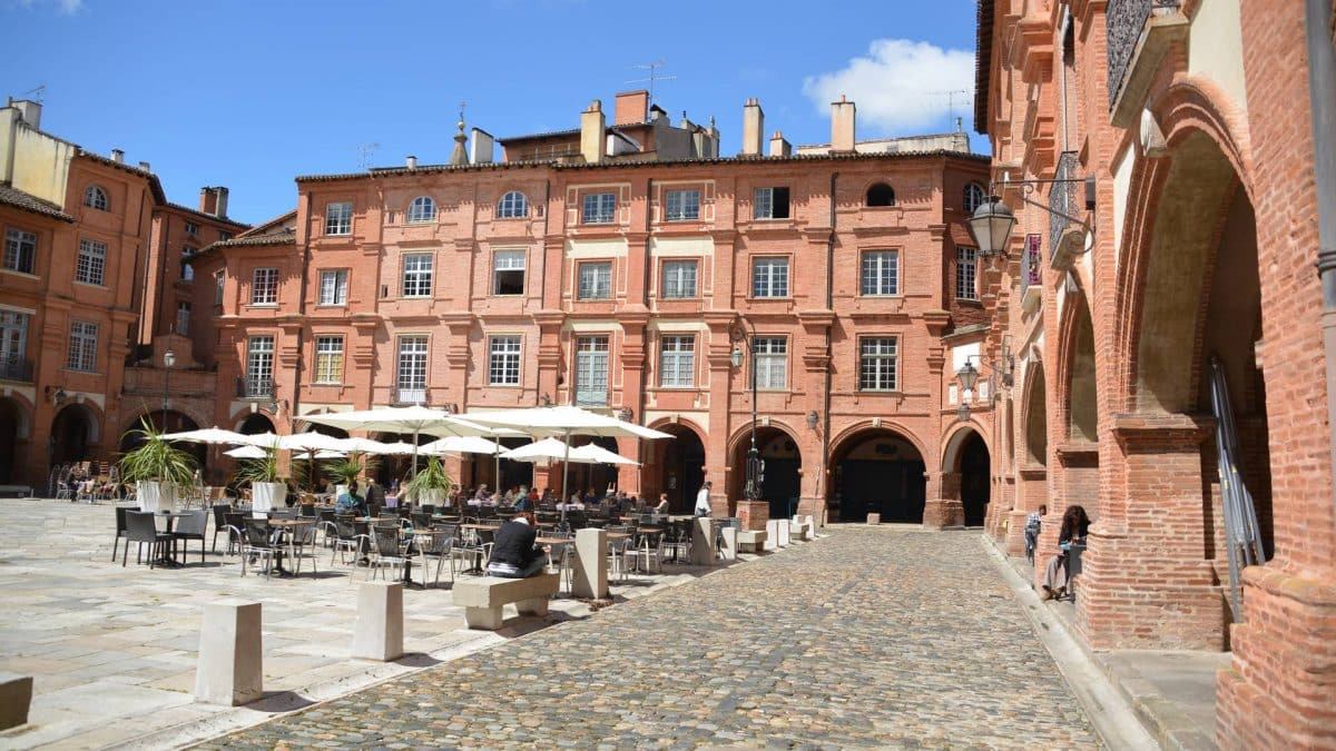 Montauban Place nationale