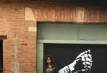 Les toiles que dépose l'artiste Ankor dans les rues de Toulouse rencontrent un vrai succès ©Ankor