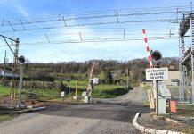 Un Ter a percuté un véhicule à un passage à niveau, dans le secteur de Saverdun, en Ariège ©Sotos