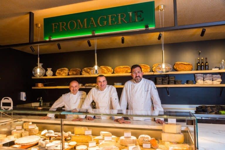 Tables de chefs ou halles gourmandes, la tendance food court