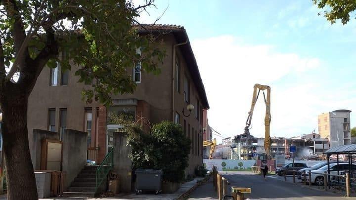 Les occupants du pavillon Nanta de l'hôpital La Grave de Toulouse, promis à la démolition, demandent à être relogés ©DAL31