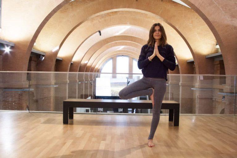Du yoga entre les oeuvres d'art