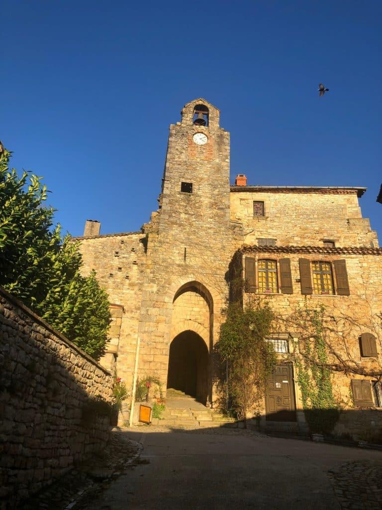 Mission Stéphane Bern en Tarn-et-Garonne : 37 000 euros pour restaurer le beffroi de Bruniquel