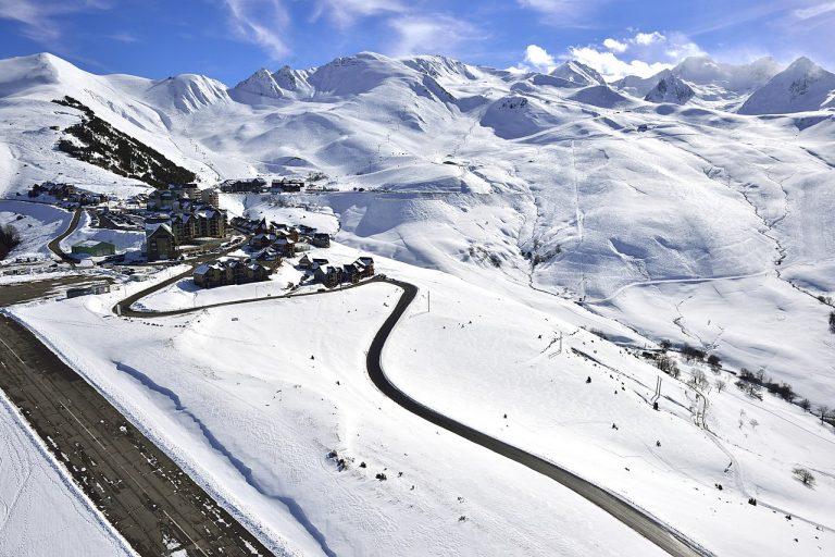 Les stations de ski des Pyrénées redoutent maintenant une année blanche