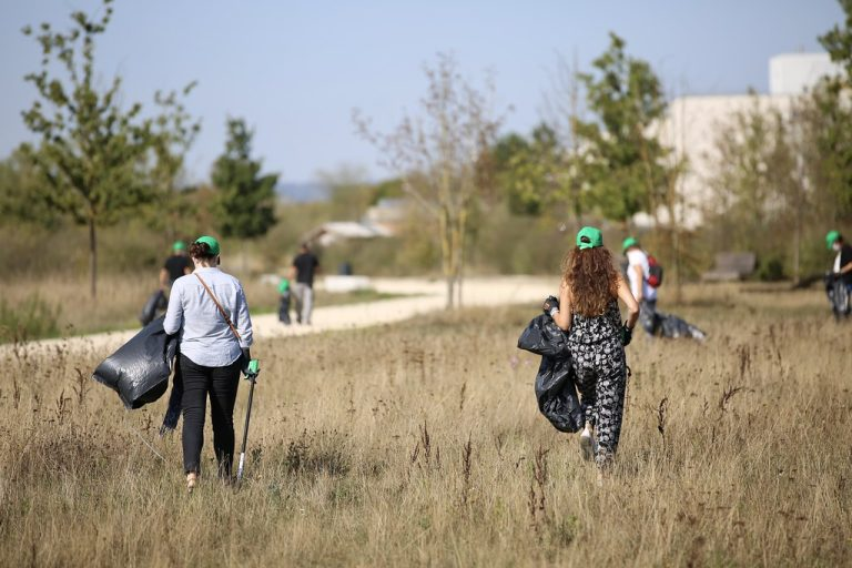 """Haute-Garonne. Le collectif """"Ca commence par nous"""" lance des défis environnementaux"""