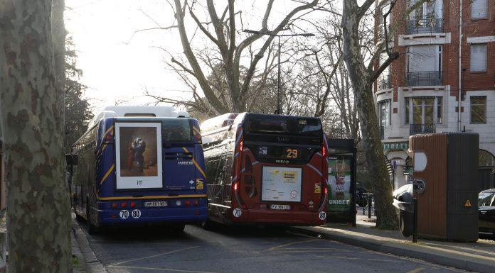 Deux Bus Tisseo Toulouse