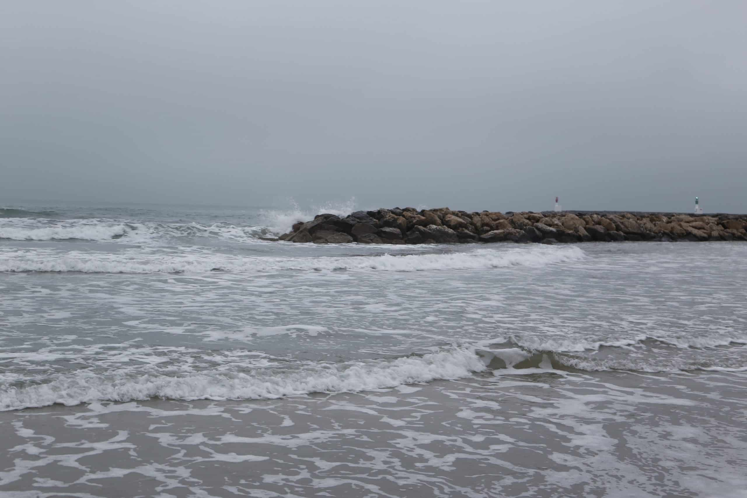 Plage mer avec vagues Herault
