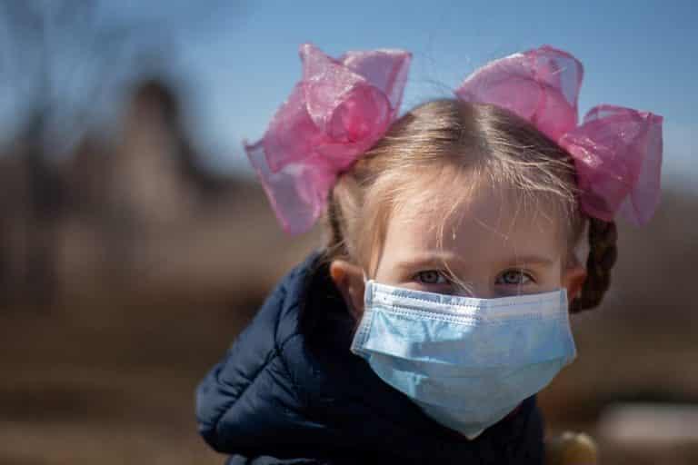 Port du masque à l'école: rassemblement de parents inquiets pour la santé de leurs enfants