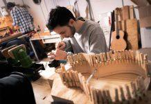 John Melis Luthier