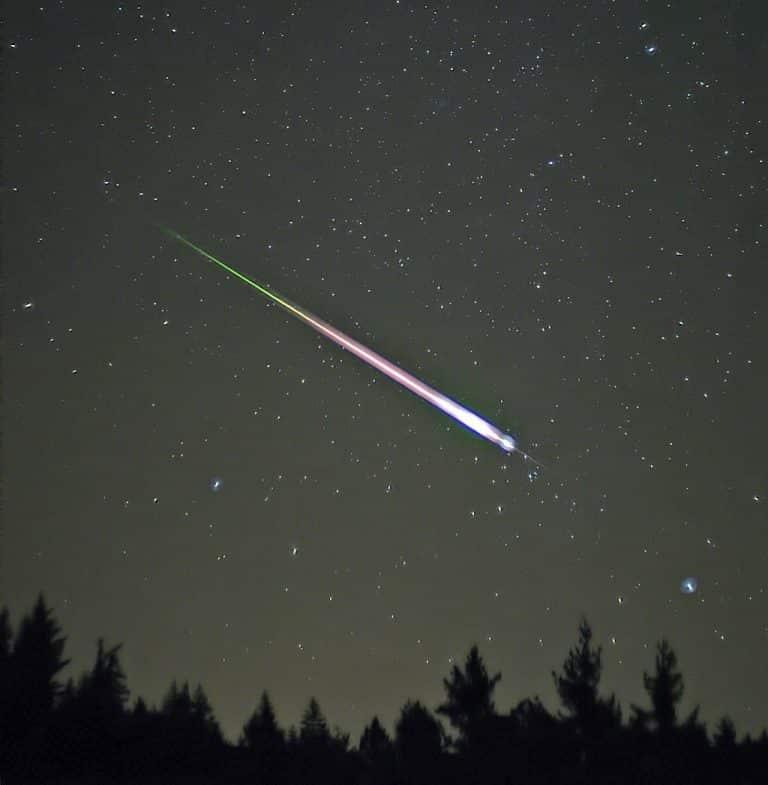 Un météore traverse le ciel du sud de la France