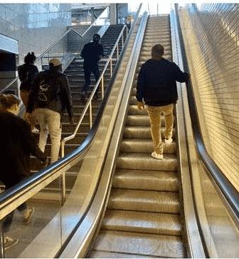 Les escaliers mécaniques du métro vont être changés