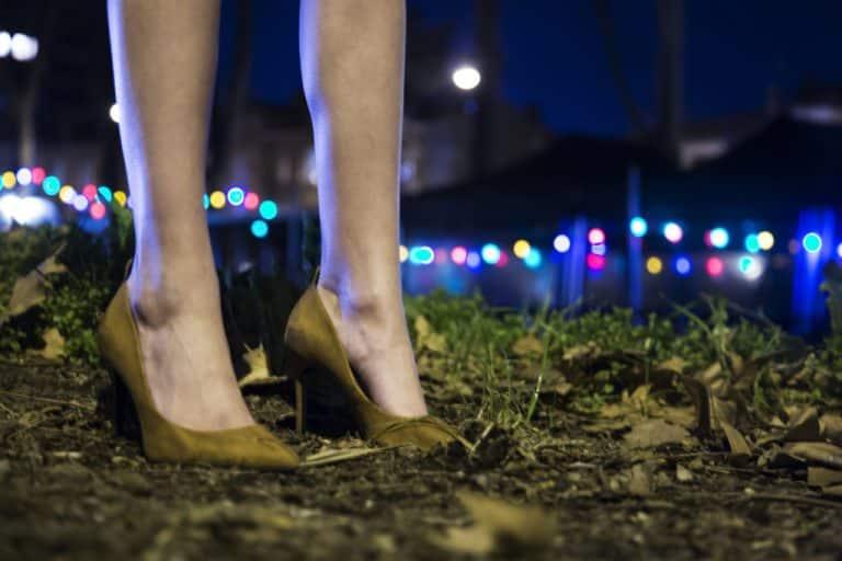 [Tribune] « N'attendons pas cinq ans de plus pour mettre fin à la prostitution »