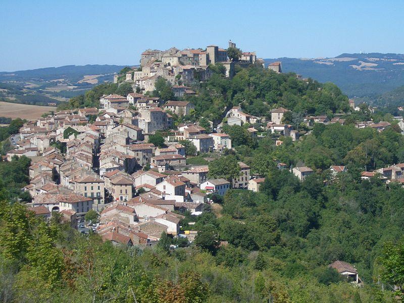 Le village de Cordes sur Ciel. Adrien Béron CC-BY-SA-1.0